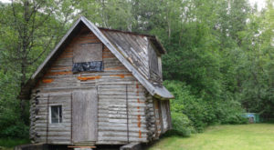 The Haunting Remains Of This Gold Rush Town In Alaska Are Downright Mysterious