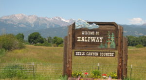 It's Impossible Not To Be Charmed By This One Oregon Small Town