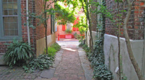 The Oldest Street In America Is Right Here In Philadelphia And It's Amazing