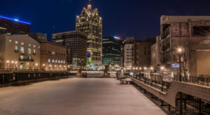 The Enchanting Riverwalk Everyone In Milwaukee Will Want To Visit Time And Time Again