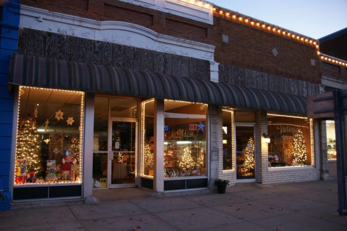 13 Picture Perfect Christmas Towns In Kansas You 39 Ll Want To Visit
