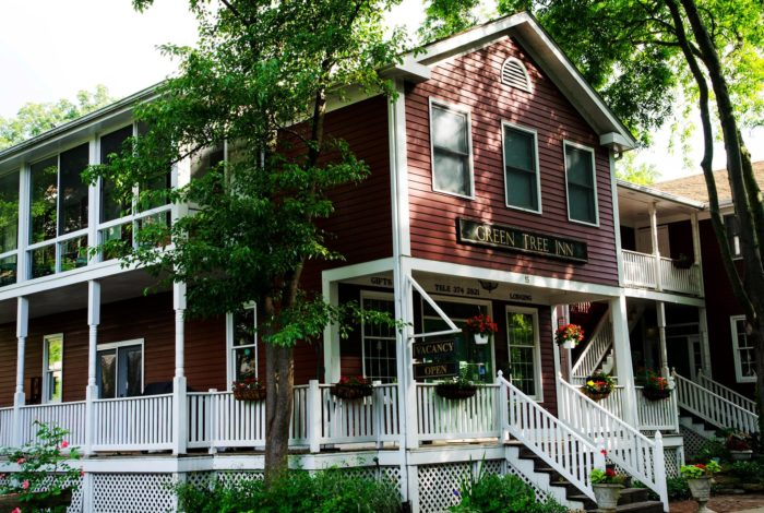 9 Best Remote Bed Amp Breakfasts In Illinois
