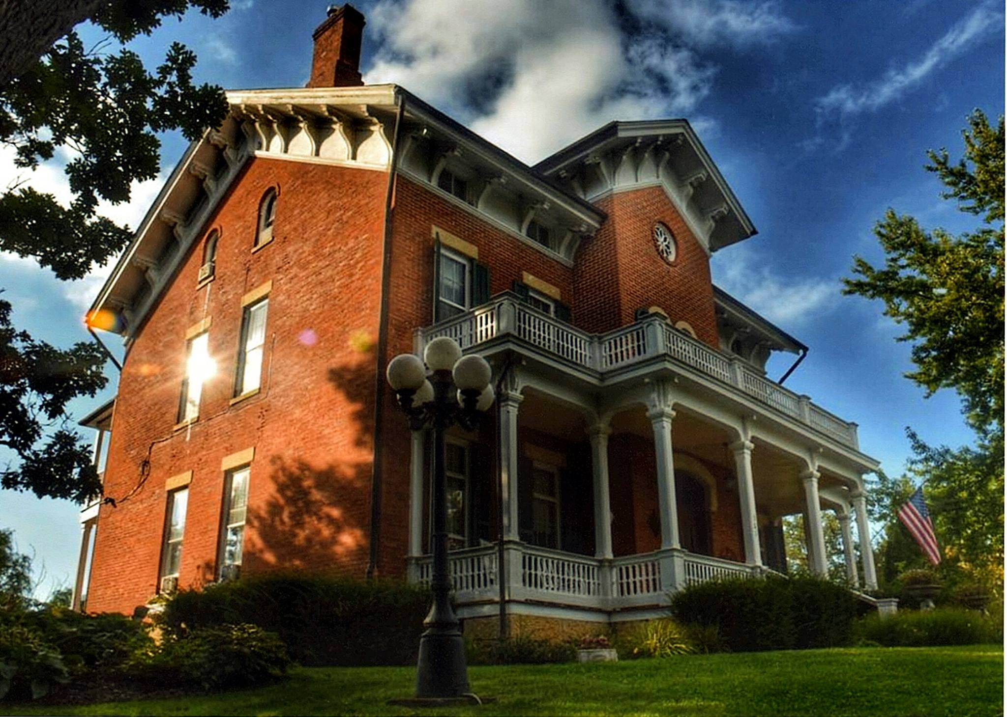 Victorian Hotel You Won T Believe Is Hiding In Illinois