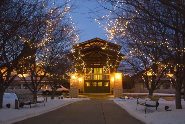Ride The Holiday Trolley Tour Of Lights In Nebraska City