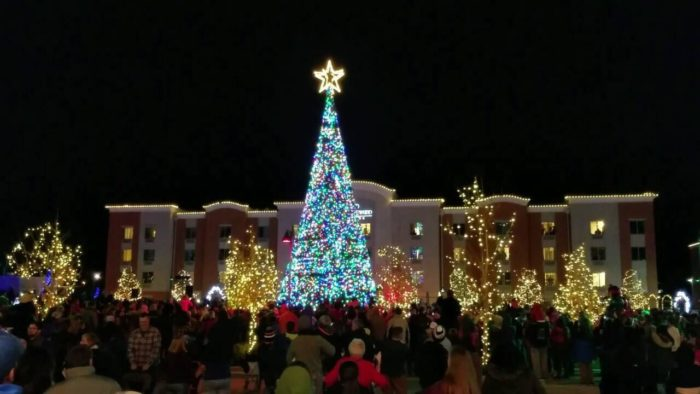 13 Picture Perfect Christmas Towns In Kansas You Ll Want