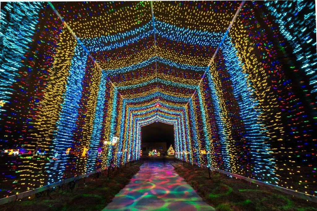 This Glittering Holiday Lights Display In Kansas Will