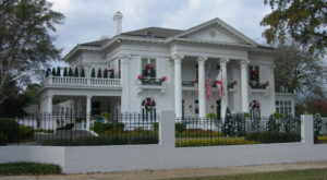 The Most Gorgeous Historic Home In Alabama Is Open For Christmas… And It's Positively Magical
