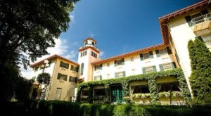 Not Many People Realize These 9 Little Known Haunted Places In Oregon Exist