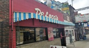 8 Famous Restaurants Around Pittsburgh That Are So Worth Waiting In Line For