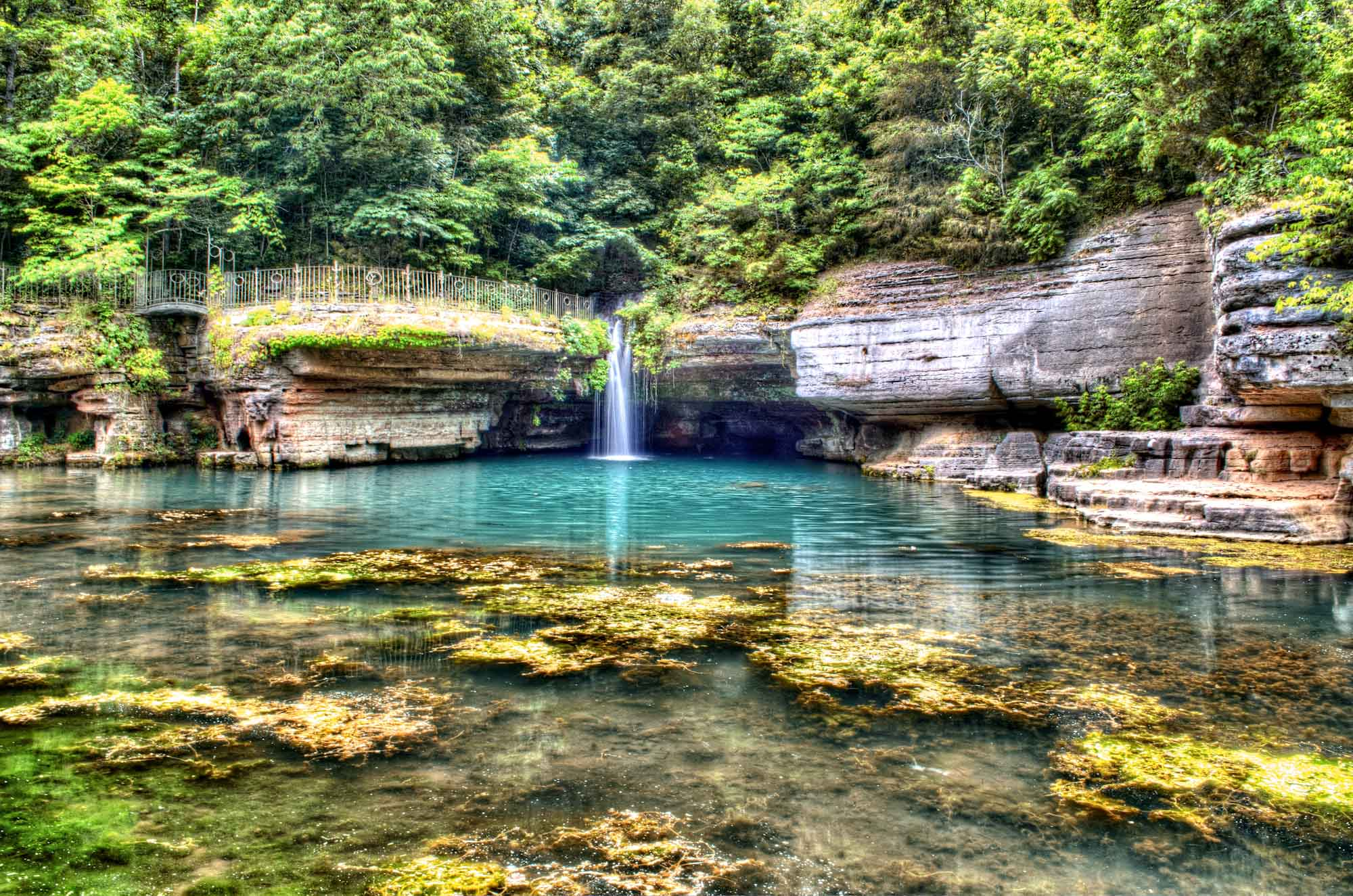 This Hidden Spot In Missouri Is Unbelievably Beautiful And