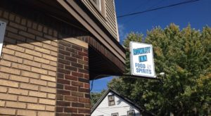 Everyone Goes Nuts For The Hamburgers At This Nostalgic Eatery In Cleveland