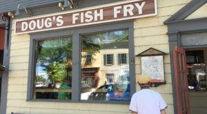 There's A Small Town In New York Known For Its Truly Epic Fish Fry
