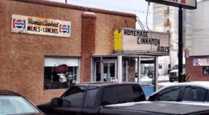 The Unassuming Restaurant In Denver That Serves The Best Cinnamon Roll You'll Ever Taste