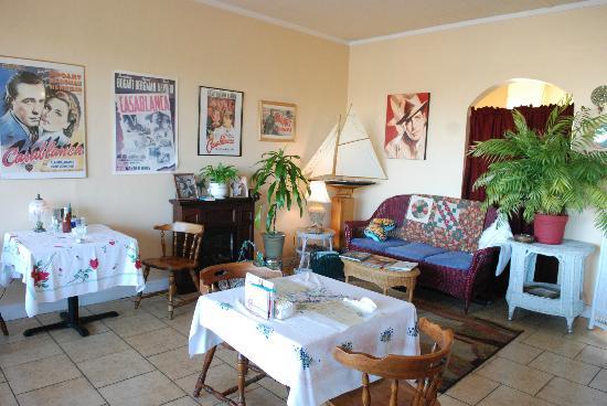 Patty S Wicker Cafe