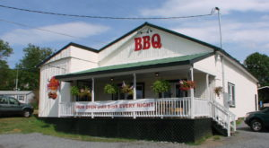 Travel Off The Beaten Path To Try The Most Mouthwatering BBQ In Virginia