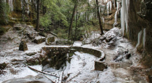 The One State Park In Ohio That Transforms Into A Magical Winter Oasis Each Year
