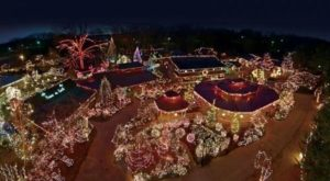 The One Restaurant In Kentucky That Becomes Even More Enchanting At Christmas Time