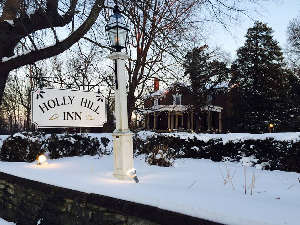 Holly Hill Inn Is A Lovely Restaurant In Kentucky S Horse