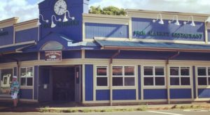 This Amazing Seafood Shack On The Hawaii Coast Is Absolutely Mouthwatering