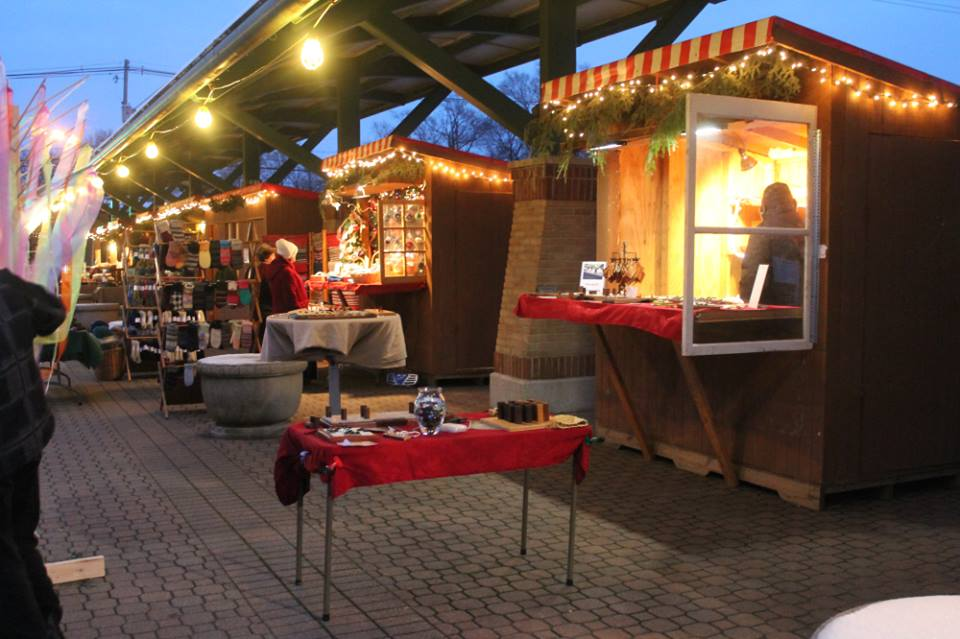 Des Moines Shopping >> Kerstmarkt In Holland Is Best Dutch Christmas Market In Michigan