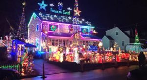 This Might Be The Last Year To View This Astounding Display Of Over 350,000 Christmas Lights In Connecticut
