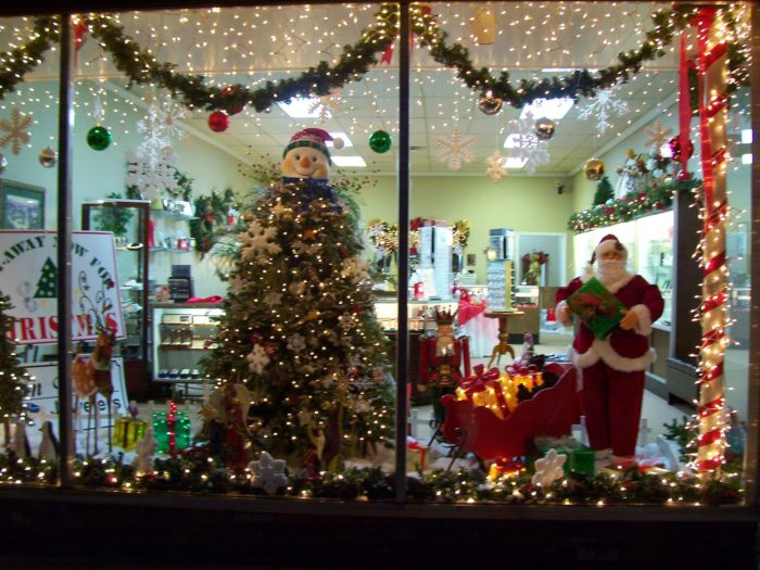 10 Enchanting Christmas Towns In South Carolina That Make