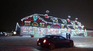 The Christmas Lights Road Trip Around Buffalo That's Nothing Short Of Magical