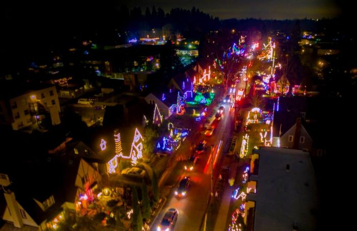 10 Enchanting Christmas Towns In Oregon That Feel Like You