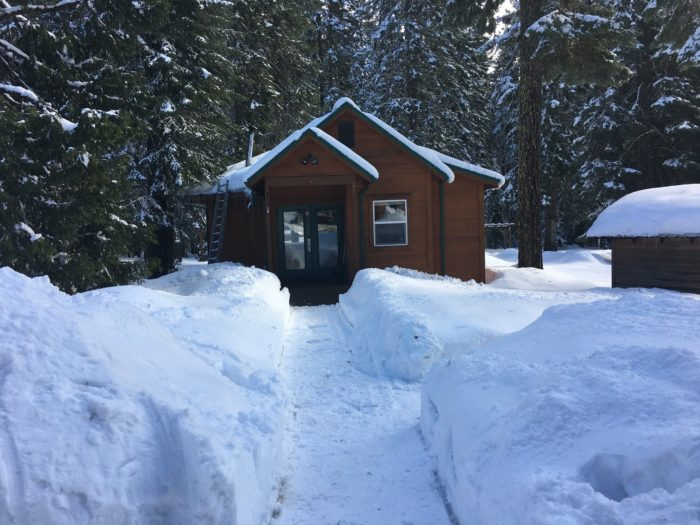 7 enchanting oregon cabins where you can watch the snow for Barlow cabin trillium lake