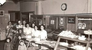 These 11 Historic Photos Show Philadelphia's Bakeries Like Never Before