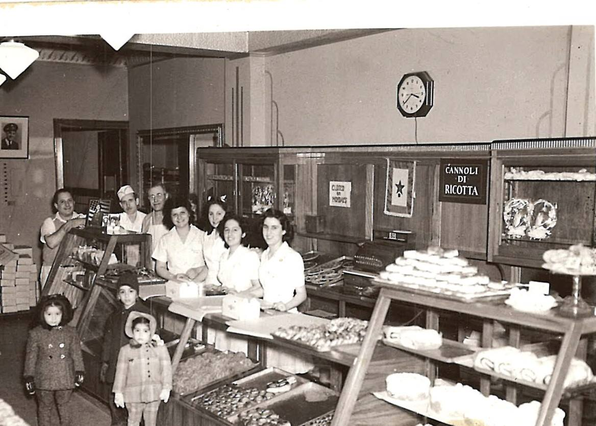 11 Best Vintage Bakery Photos From Philadelphia