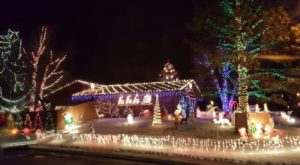 The Holiday Lights Tour In This Wyoming Town Was Named The Best In The State And You Won't Want To Miss It