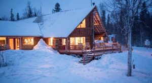The 7 Most Remote And Magical Cabins In Alaska For A Snowy Winter Getaway