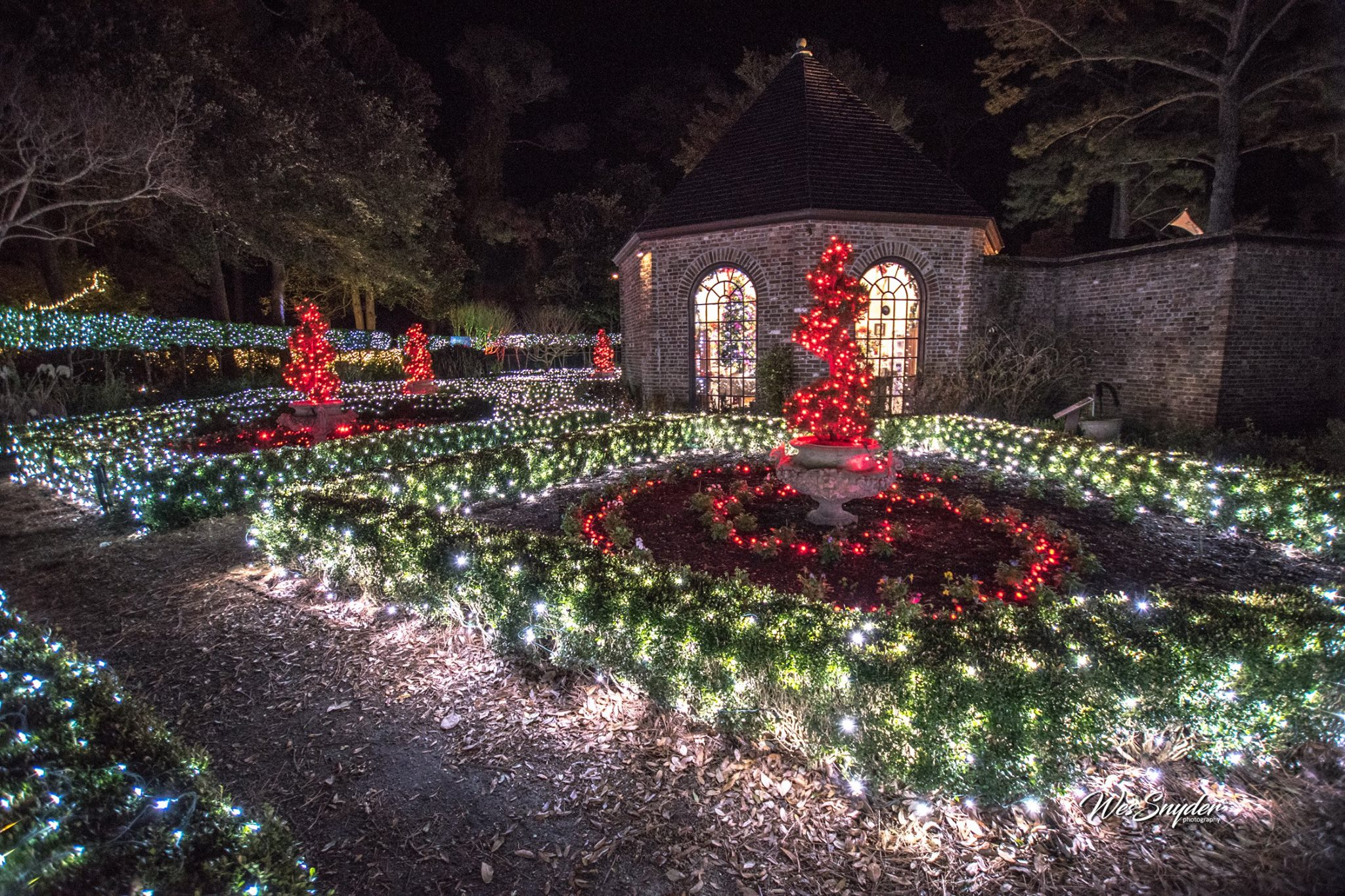 Elizabethan Gardens Winter Lights Manteo North Carolina