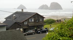 This Quaint Little Seafood Restaurant Is One Of The Best Kept Secrets On The Oregon Coast