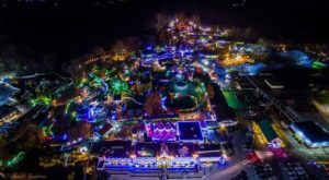 The Pennsylvania Amusement Park That Transforms Into A Winter Wonderland Every Year