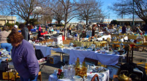 You Could Easily Spend All Weekend At This Enormous North Carolina Flea Market