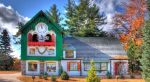 The Charming Small Town In Michigan Where Santas Flock Each Year