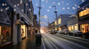 These 6 Pittsburgh Neighborhoods Are Pure Magic During Christmastime
