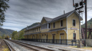 The Creepiest Ghost Town In West Virginia Is The Stuff Nightmares Are Made Of