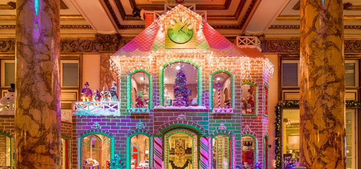 The Two Story Gingerbread House Right Here In San Francisco