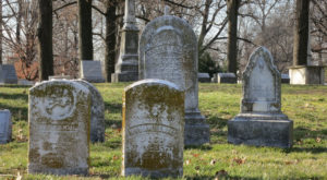 9 Disturbing Cemeteries Around St. Louis That Will Give You Goosebumps