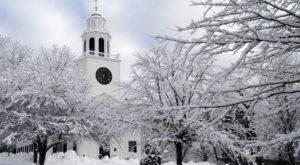 10 Enchanting Massachusetts Towns That Feel Like You've Fallen Into A Snow Globe