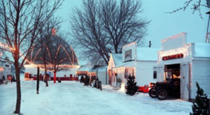 The Christmas Village In Iowa That Becomes Even More Magical Year After Year