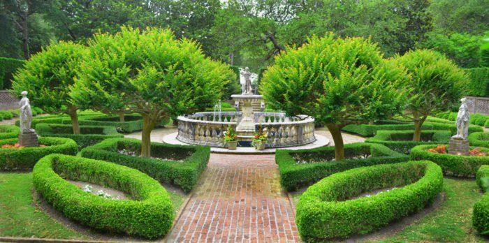 Elizabethan Gardens Winter Lights Manteo North Carolina