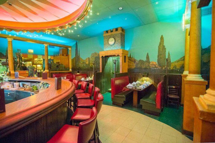 8 Best Historical Restaurants In Chicago