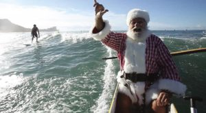 Only In Hawaii Will You Spot This Amazing Christmas Tradition In Action
