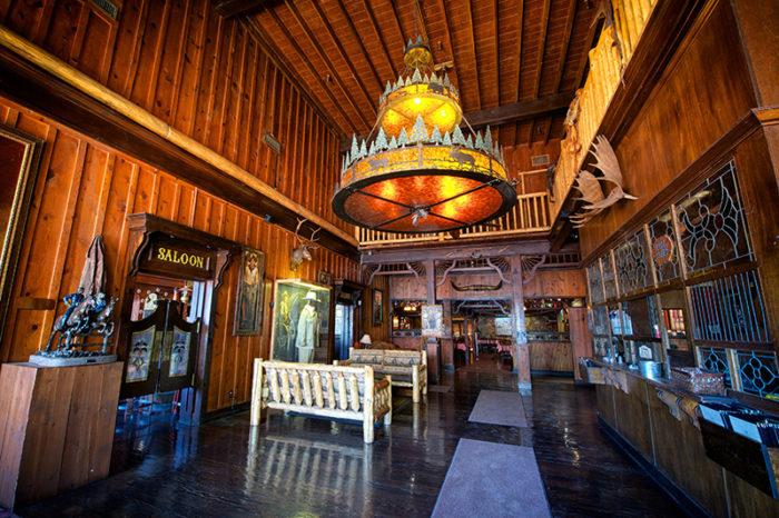 Pinnacle Peak Is A Cool Western Themed Restaurant In Arizona