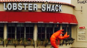 This Amazing Seafood Shack On The New York Coast Is Absolutely Mouthwatering