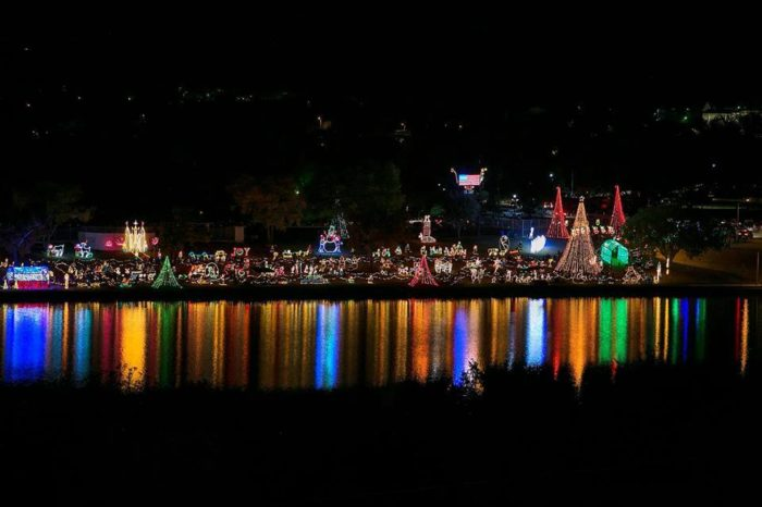 The Christmas Light Trail In Texas That Will Make Your